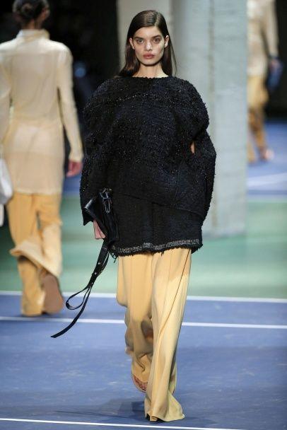 Очень широкие брюки в коллекции Celine осень-зима 2016-2017