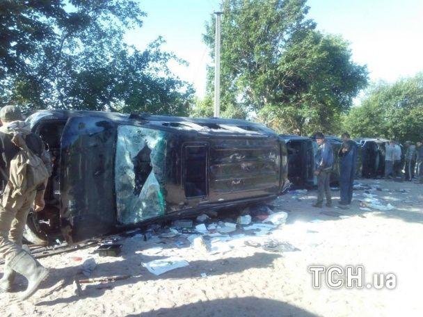 """Криваві війни за """"бурштин"""": на Житомирщині розтрощили авта нападників та арештували членів """"банди"""""""