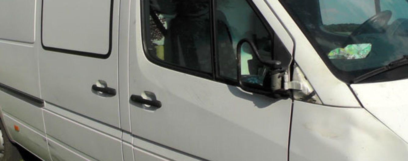 На Полтавщині водій мінівена наїхав на поліцейського
