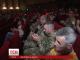 Українські журналісти, котрі працюють на війні, нагородили військових власною медаллю