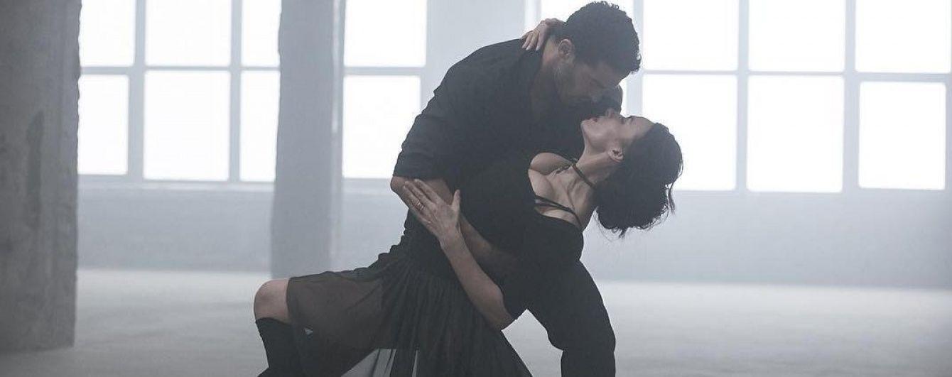 Пишногруда Надія Мейхер злилася у пристрасному танго із аргентинським красенем