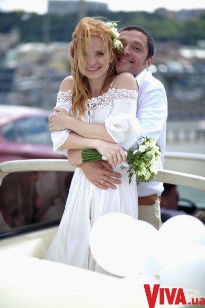 """Солістка дуету """"Анна-Марія"""" вийшла заміж за свого колегу"""
