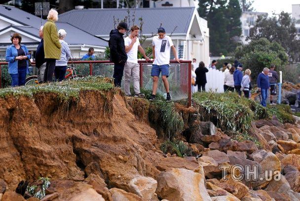 Безперервні зливи, шквальний вітер та метрові хвилі. В Австралії вирує потужний шторм