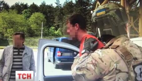 Гражданин Франции пытался вывезти из Украины арсенал оружия