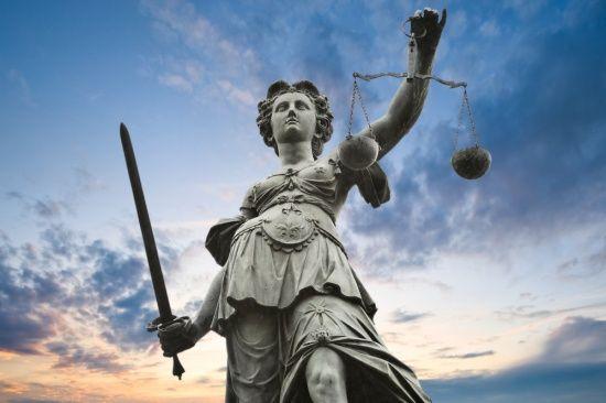 Заступника гендиректора НПЗ Курченка засудили до 5 років умовно
