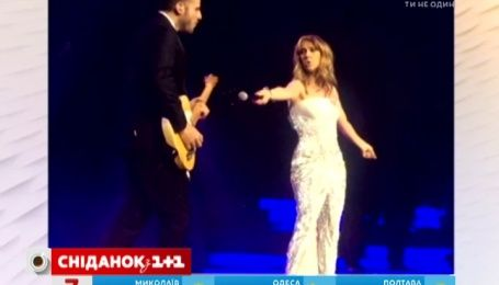 Певице Селин Дион приписывают роман с гитаристом Кевином Жируа