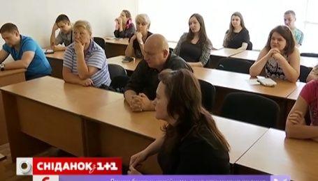 Только 45% украинцев работают по специальности, которую получили в вузе