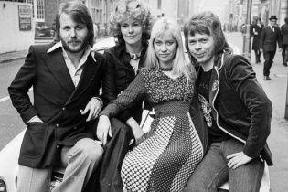 Легендарний гурт ABBA вперше за 30 років виступив у повному складі
