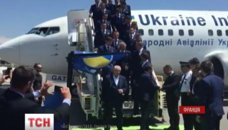 Самолет с украинскими спортсменами прибыл во Францию