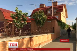 """Сусіди власника """"миколаївського метро"""" не вірять у покарання корупціонера"""