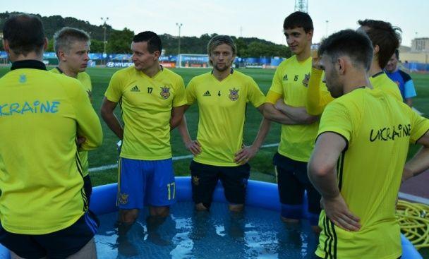 Підготовка до Євро-2016: збірна України провела перше повноцінне тренування у Франції