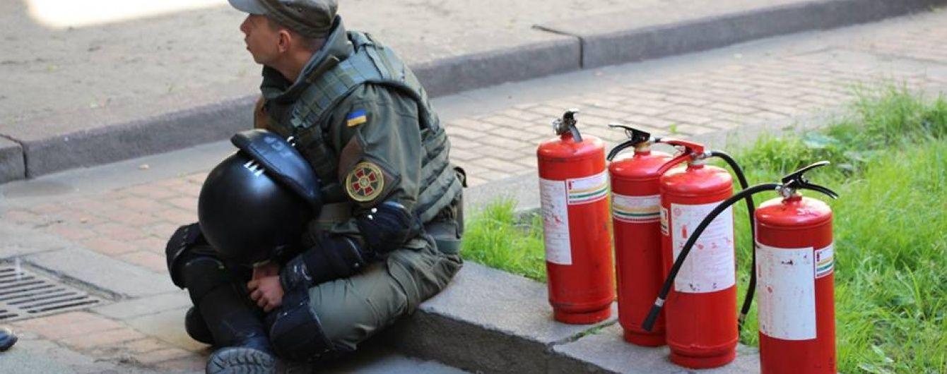 У сутичках у Львівській міськраді постраждав боєць Нацгвардії