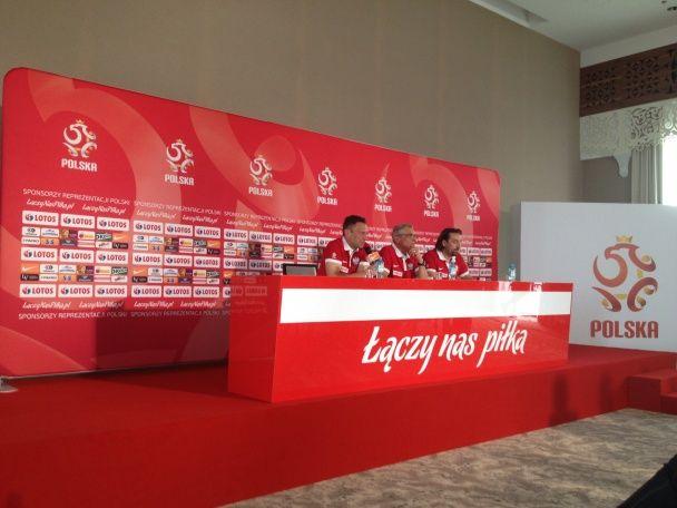 Рідна земля, фани і преса: як збірна Польщі готується до Євро-2016