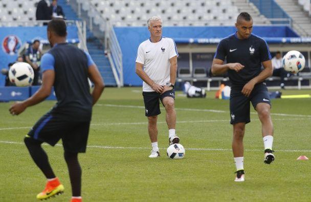Як команди Франції та Румунії готувалися до матчу-відкриття Євро-2016