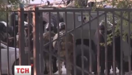 В Казахстане подозреваемые в терроризме отказались сложить оружие и начали отстреливаться