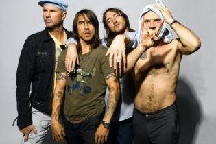Легендарний Red Hot Chili Peppers порадував фанів новою композицією