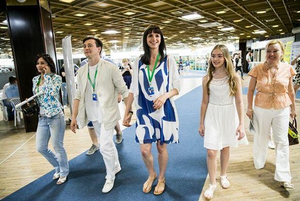 Сергій Безруков з вагітною дружиною_4