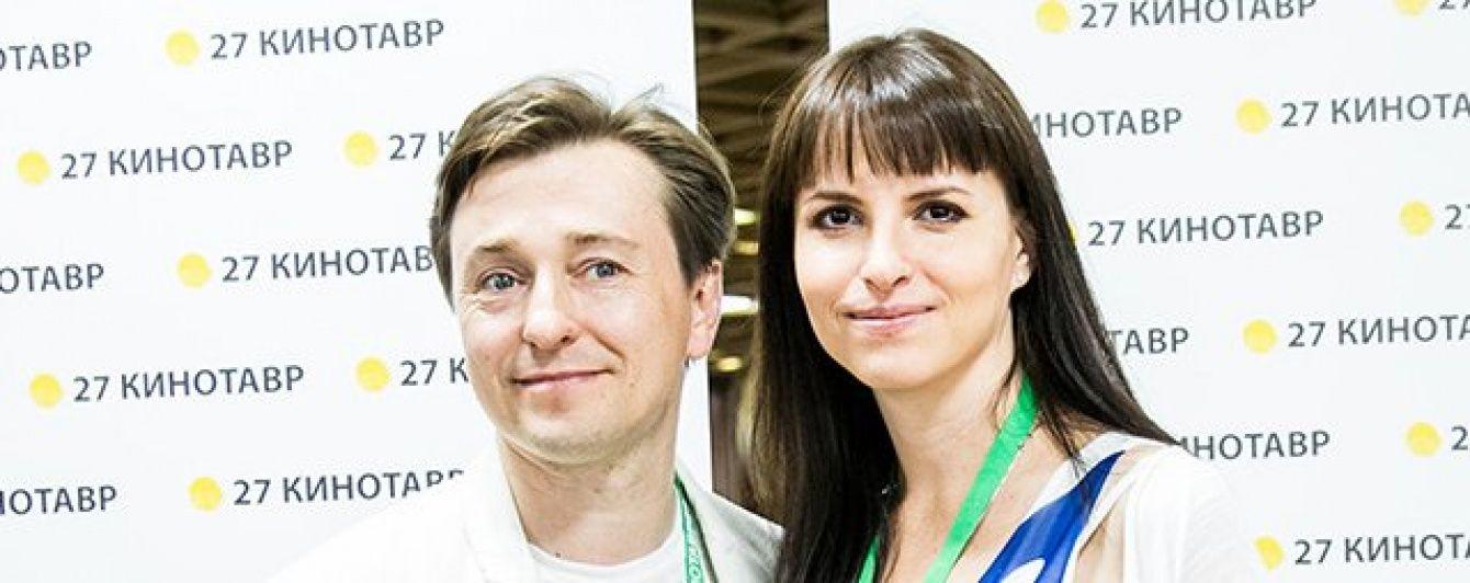 Вагітна дружина Сергія Безрукова вперше показала округлений животик