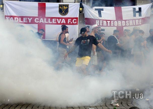 Британський норов: англійські вболівальники влаштували бійку в центрі Марселя