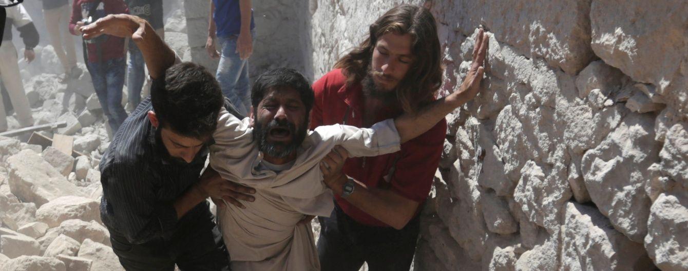 Внаслідок авіаударів по Ідлібу в Сирії загинули понад 20 осіб