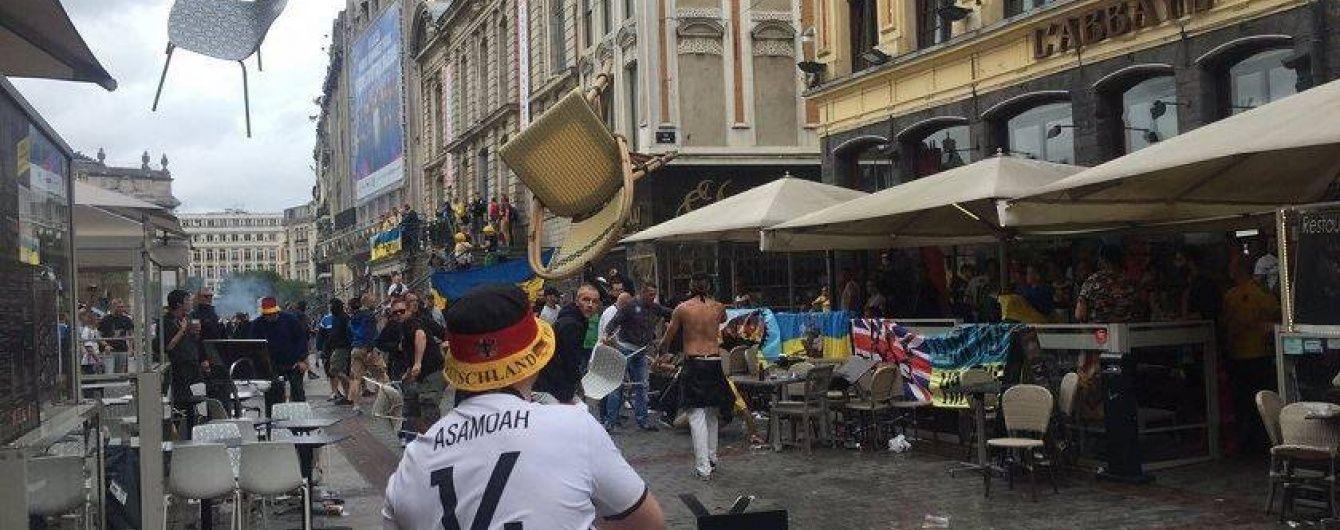 У Мережі з'явилося відео нападу німецьких вболівальників на українців в Ліллі