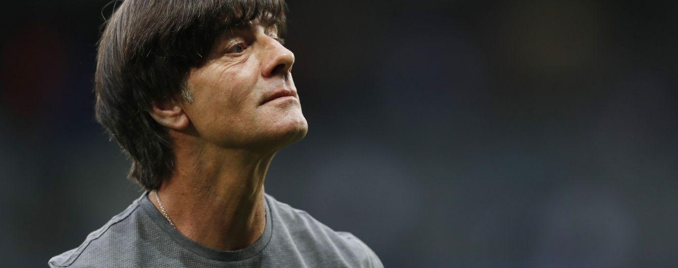 Руки в штанях: в Інтернеті обговорюють розкуту поведінку тренера Німеччини