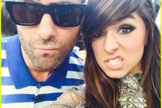 """Безглуздий акт крайньої жорстокості: Фронтмен Maroon 5 у жалобі за убитою зіркою шоу """"Голос"""""""