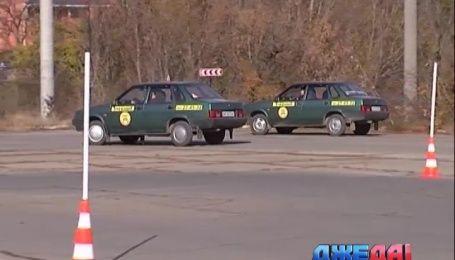 Вскоре украинцы будут сдавать на права по новым билетам