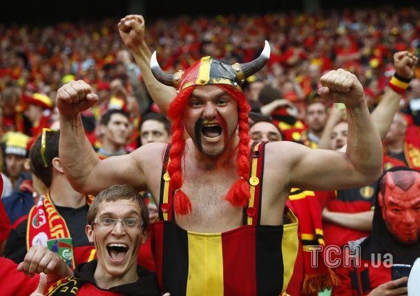 Кумедні костюми та шалені емоції. Найкращі вболівальники Євро-2016