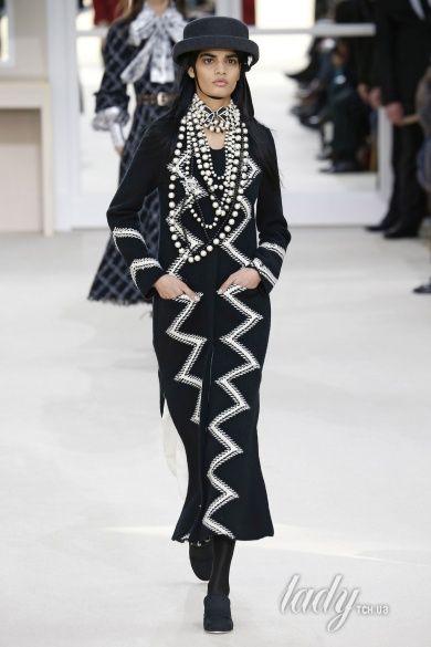 Коллекция Chanel прет-а-порте сезона осень-зима 2016-2017_23