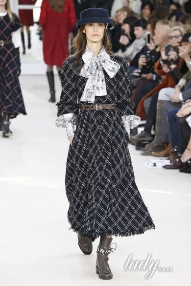 Коллекция Chanel прет-а-порте сезона осень-зима 2016-2017_25