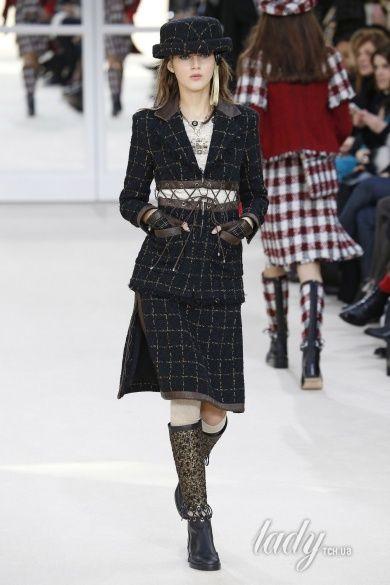 Коллекция Chanel прет-а-порте сезона осень-зима 2016-2017_28