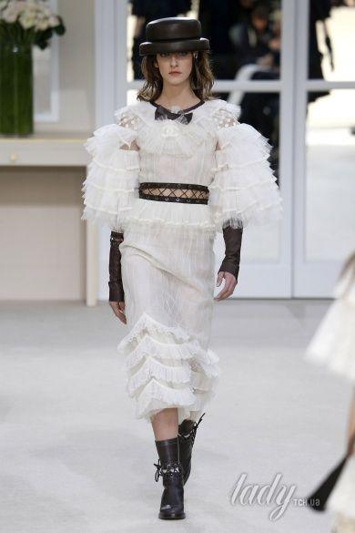 Коллекция Chanel прет-а-порте сезона осень-зима 2016-2017_87