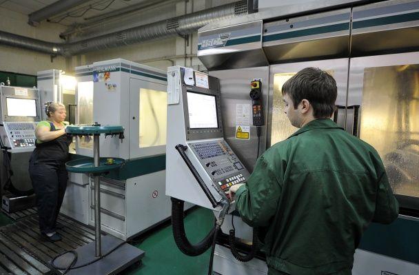 800 підприємств готові переключити на виробництво снарядів для української армії
