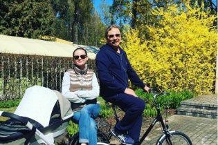 Дружина Ігоря Ніколаєва неабияк зворушила відеофрагментом із першим словом донечки
