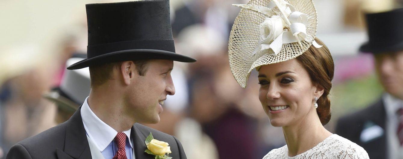 Принц Уильям и герцогиня Кембриджская на королевских скачках