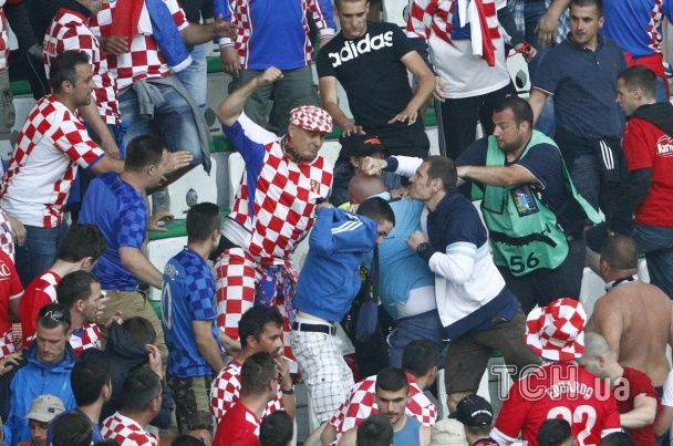"""Хорватський журналіст пояснив, чому фанати влаштували """"пекло"""" у матчі із чехами"""