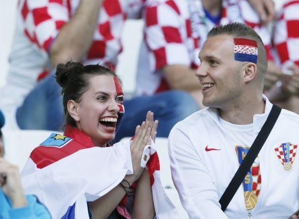 """Розмальовані хорвати, італійські воїни, іспанські """"кралі"""". Найкрутіші вболівальники Євро-2016"""