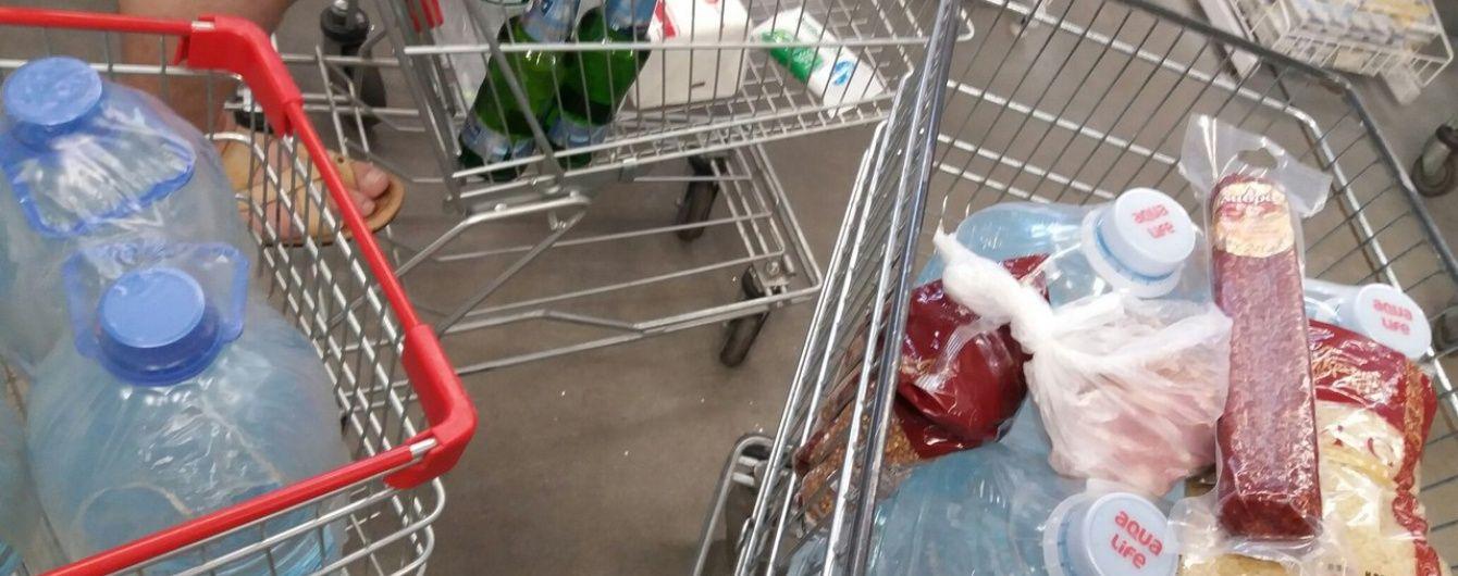 Киянам у красивих обгортках продають зіпсовані спекою молоко, рибу та м'ясо