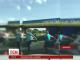 На Львівщині із вантажівки на трасу випали погано закріплені ящики з пивом