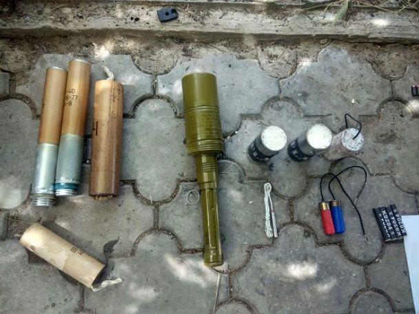На кордоні з Придністров'ям викрили потужний арсенал боєприпасів та вибухівки