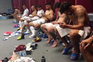 У Мережі висміяли фото святкування футболістів збірної Аргентини у роздягальні