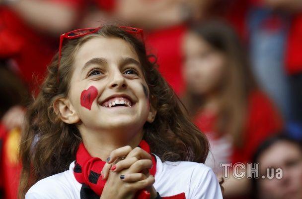 Дівчата Євро-2016. Найкращі вболівальниці матчів 19 червня