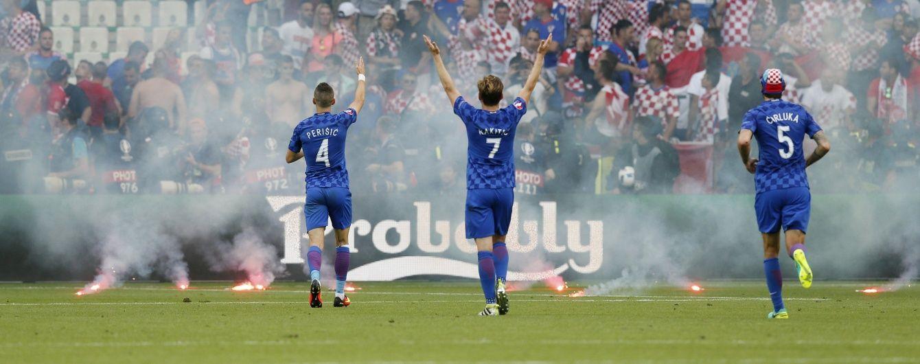 УЄФА виніс попередження хорватським фанам за фаєри і безлади на матчі Євро-2016