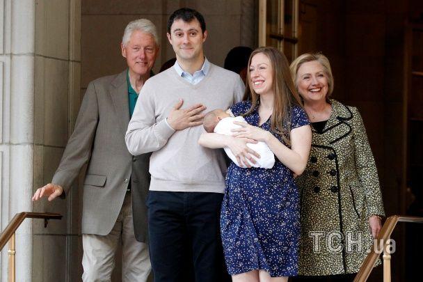 Гілларі Клінтон показала новонародженого онука