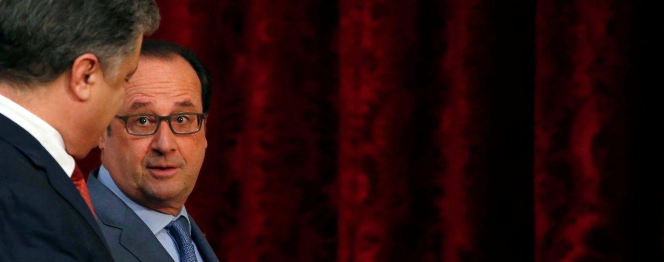 Олланд припустив поетапне зняття санкцій з Росії