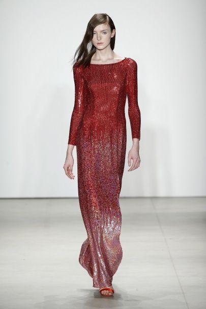 Прозрачная и сверкающая коллекция вечерних платьев от Jenny Packham осень-зима 2016-2017