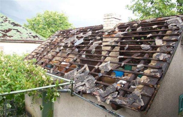 Потужний град на Закарпатті ламав людям кінцівки і трощив помешкання