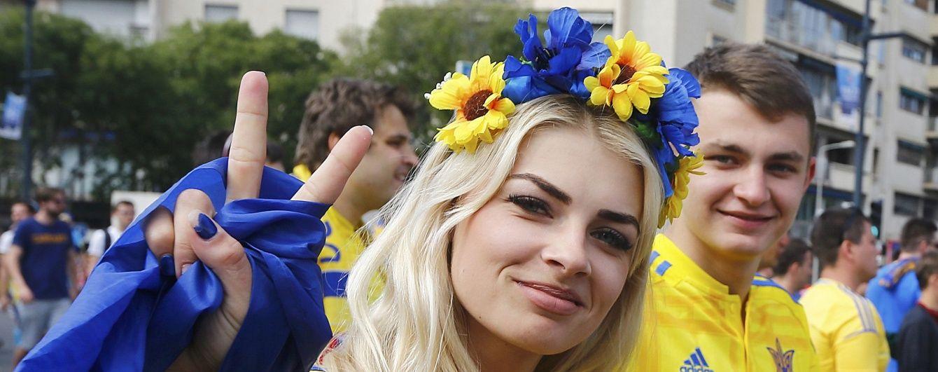 Красуня-фанатка збірної України підкорила серця вболівальників з усієї Європи