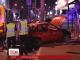 Автомобіль на швидкості в'їхав у людей на зупинці неподалік столичного ринку Петрівка